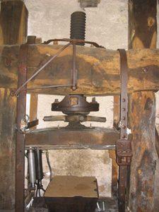 moulin-huile-andissac-pressoir-saint-martin-labouval-137